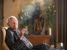 Pastoor Van Velthoven zaterdag in Venhorst begraven