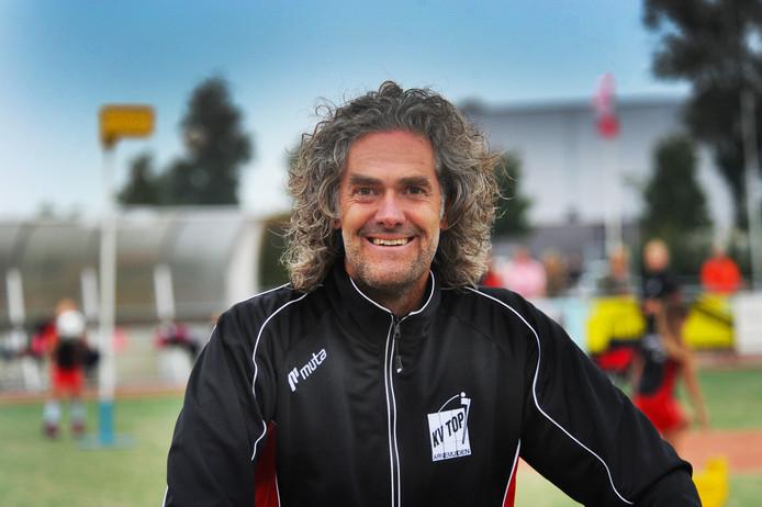 Hoofdtrainer Kees Jan Oppe krijgt komend seizoen bij TOP assistentie van Edwin Coppoolse en Leon van Belzen.