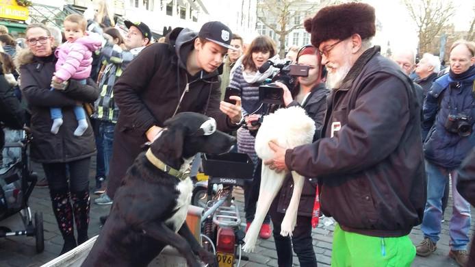 Eduard Fortuyn met zijn hond Arpat.