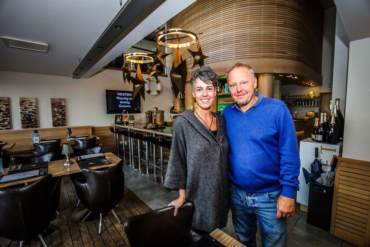 """Jurgen Wymeels en Katrien Vergote. """"We hebben heel veel vaste klanten, die nu al tot in de derde generatie graag langskomen. Ze zijn ons erg dierbaar."""""""