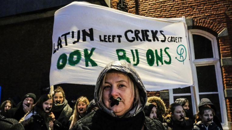Klacht van Hemelvaart over gebrek aan inspraak is ontvankelijk, verder onderzoek volgt. Er was maandagochtend protest aan de poort van Hemelvaart.