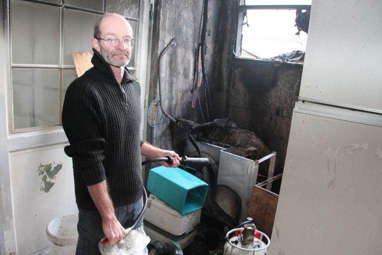 Bakker Hervé Mertens kon de brand zelf nog doven.