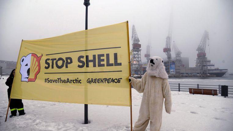Greenpeace-activisten protesteren tegen Shells boorplannen op de Noordpool. Beeld reuters