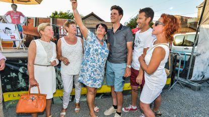 Jasper Stuyven bezoekt fanclub in 't Smiske