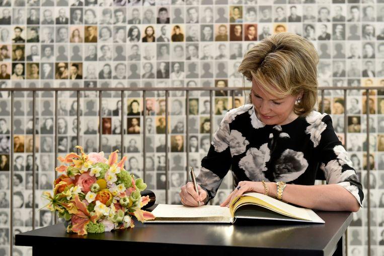 Ook de koningin bracht in 2018 een bezoek aan Kazerne Dossin.