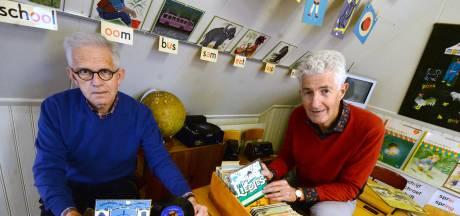 Schoolmuseum Ootmarsum maakt blinde man blij met 250 oude schoolliedjes: 'Ze bezorgen mij luisterplezier'