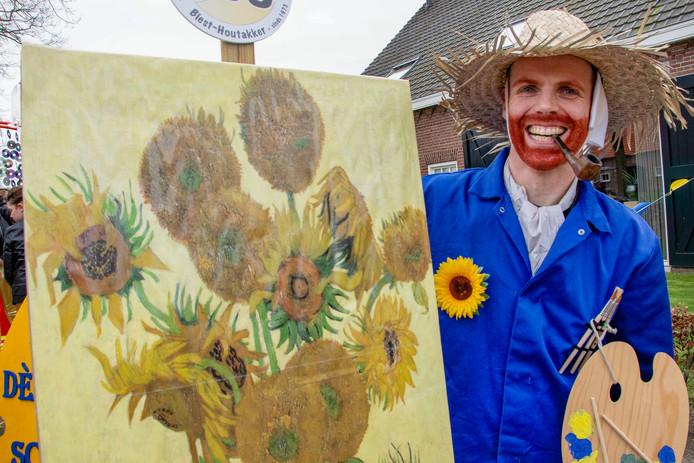 Leran Parren verkleed als Vincent van Gogh.