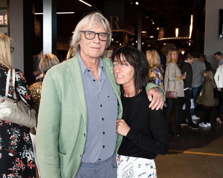 Premiere - Musical 40-45   Pieter Aspe met zijn partner Tamara