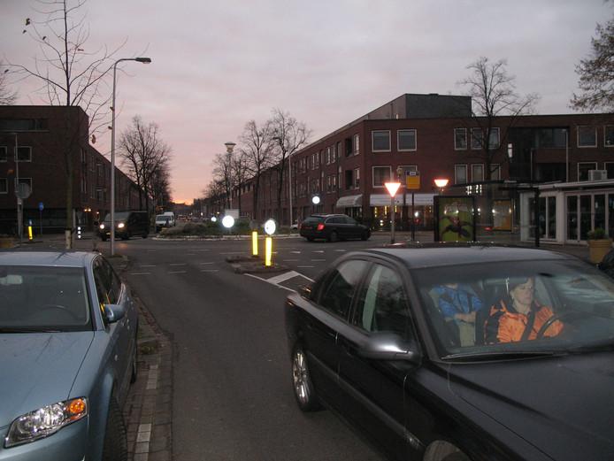 Utrecht, ochtendverkeer op Rijnlaan.