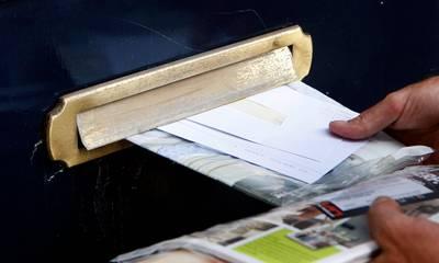 Ontslag voor postbode die drie maanden niet bezorgde, honderden brieven in eigen huis
