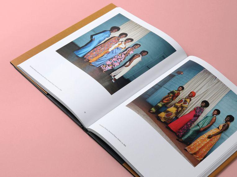 Het boek 'Black is Beautiful' met werk van Kwame Brathwaite Beeld Mendo