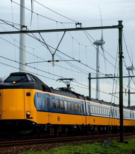 Waaghals legt treinverkeer plat, ProRail haalt spanning van leiding