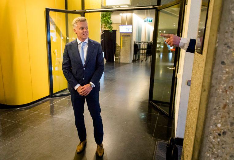 Rob Roos (lijsttrekker Zuid-Holland, FvD) arriveert bij de Provinciale Statenverkiezingen.  Beeld Bart Maat/ANP