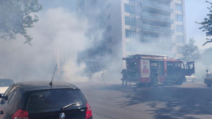 Een kleine buitenbrand nabij een flatgebouw in de Berensteinlaan Den Haag