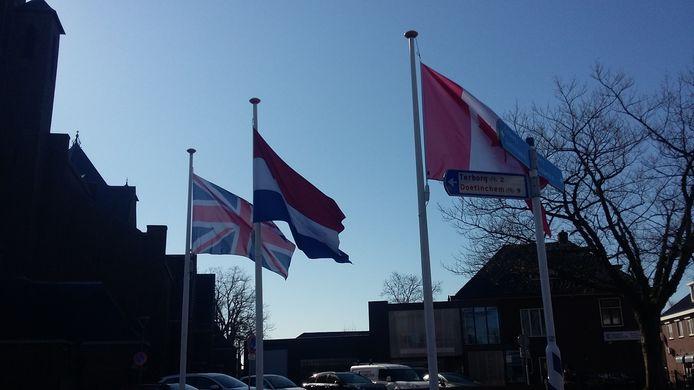 Vlaggen op de Markt in Silvolde.