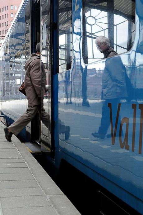 Het blijft dringen in de spits, treinen op Valleilijn voorlopig nog bomvol