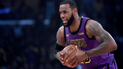 VIDEO. Zieke LeBron James loodst LA Lakers met 76e 'triple double' uit carrière voorbij Pelicans