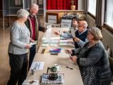Sint Kruis: even bijkletsen onder het stemmen