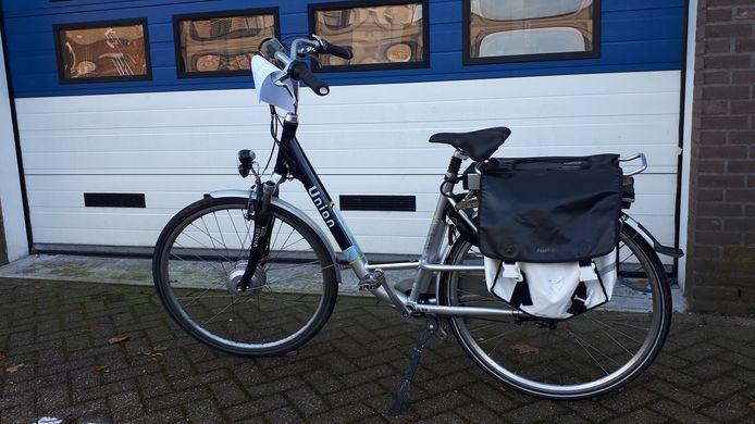 Een gestolen elektrische fiets die de politie heeft teruggevonden in een schuur in Tiel.