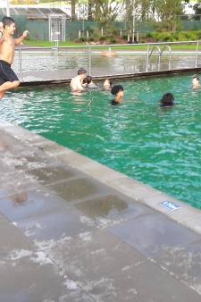 Een buitenkansje in Ede: in oktober zwemmen in een buitenbad