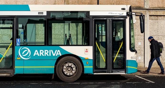 2015-03-10 10:53:23 ZUTPHEN - Een bus van vervoersorganisatie Arriva. ANP XTRA REMKO DE WAAL