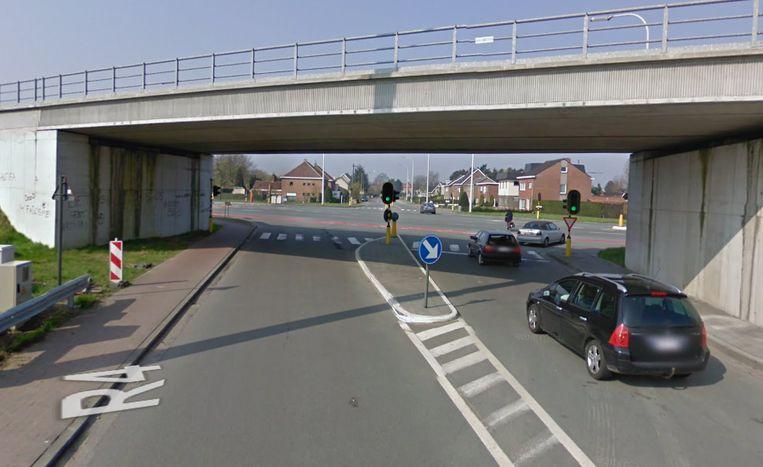 Het kruispunt van de Langerbrugsestraat en de R4.