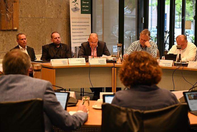 Financiënwethouder Hans Driessen, wethouder Wouter Bollen en wethouder Huub Bellemakers (vanaf links).