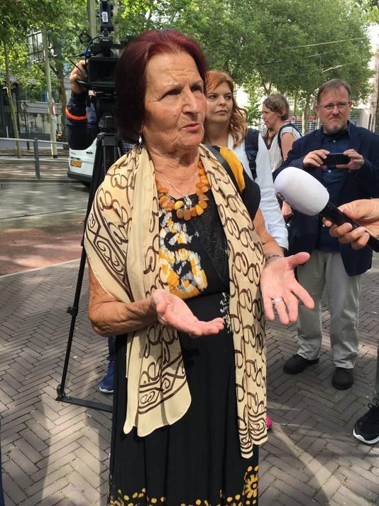Kada Hotic, een van de 'moeders van Srebrenica',  is zwaar teleurgesteld in de uitspraak van de Hoge Raad.