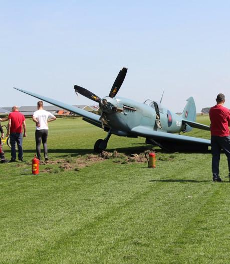 Historisch vliegtuigje dat mee zou doen in Ede loopt schade op bij landing op Midden-Zeeland