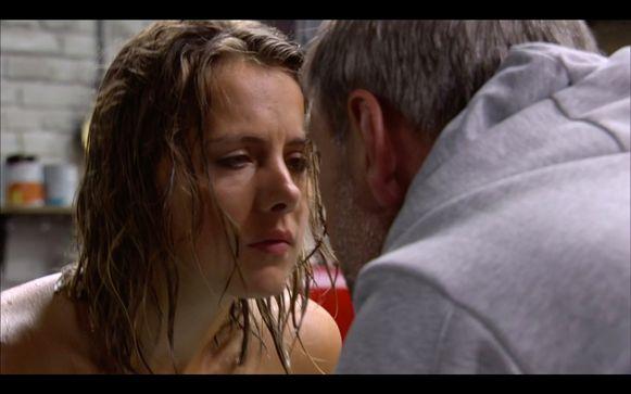 """""""Jacques, de man voor wie Kaat meer dan vriendschap voelde, beantwoordde haar liefde enkele dagen geleden niet."""""""