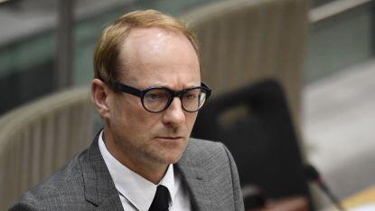 Minister Weyts trekt sjoemel-rijbewijzen in van malafide rijschool