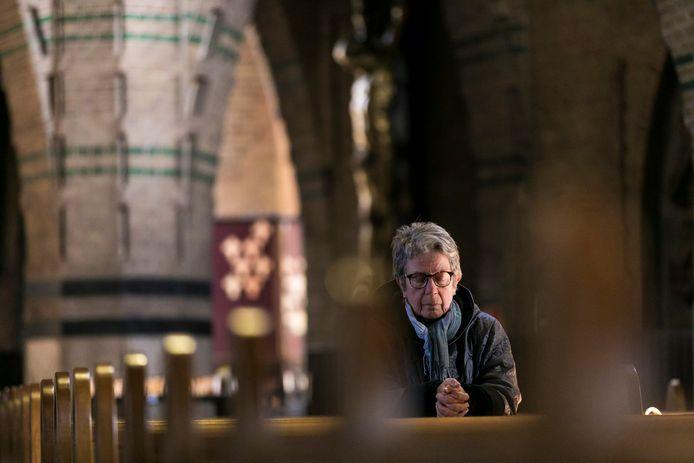 Zondagmorgen tussen 10 en uur was de Sint Jan in Waalwijk  geopend voor mensen die wilden komen bidden.