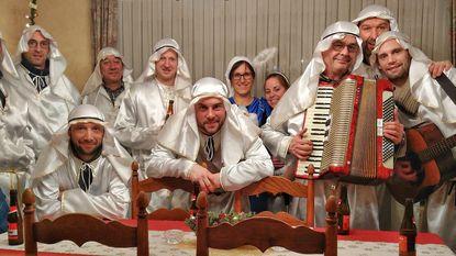 Tafeltennissers zingen 'Driekoningen' aan huis