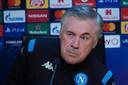 Trainer Carlo Ancelotti tijdens een persconferentie.