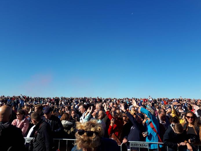 Mensenmassa's op de Ginkelse Heide.