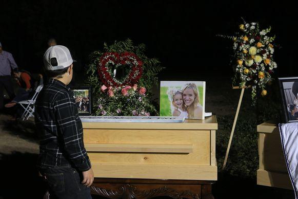 Familie en vrienden rouwen om Rhonita, een van de Amerikaans-Mexicaanse mormonen die in Mexico omkwam bij een aanval door drugsbendes.