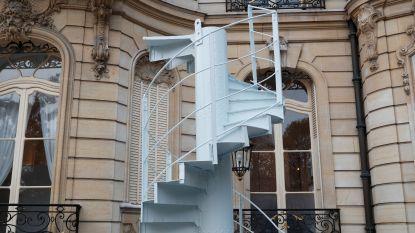 Origineel stuk wenteltrap Eiffeltoren brengt 169.000 euro op