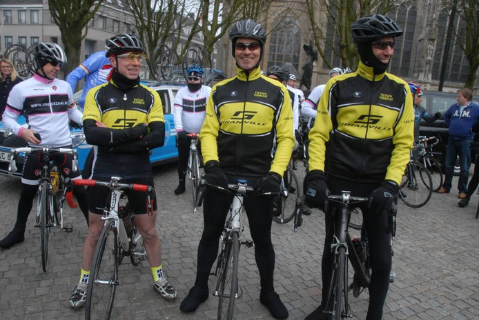 Ook verschillende Vlamingen zijn naar Den Bosch gekomen. Geheel rechts op de foto an Pieter Outtier, voorzitter van wv.Kortenberg.