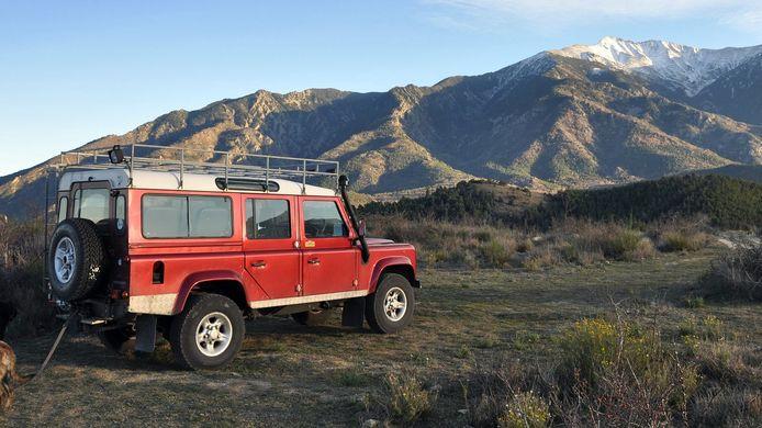 De klassieke Land Rover Defender rijdt straks op stroom, als het aan e-Rovers ligt