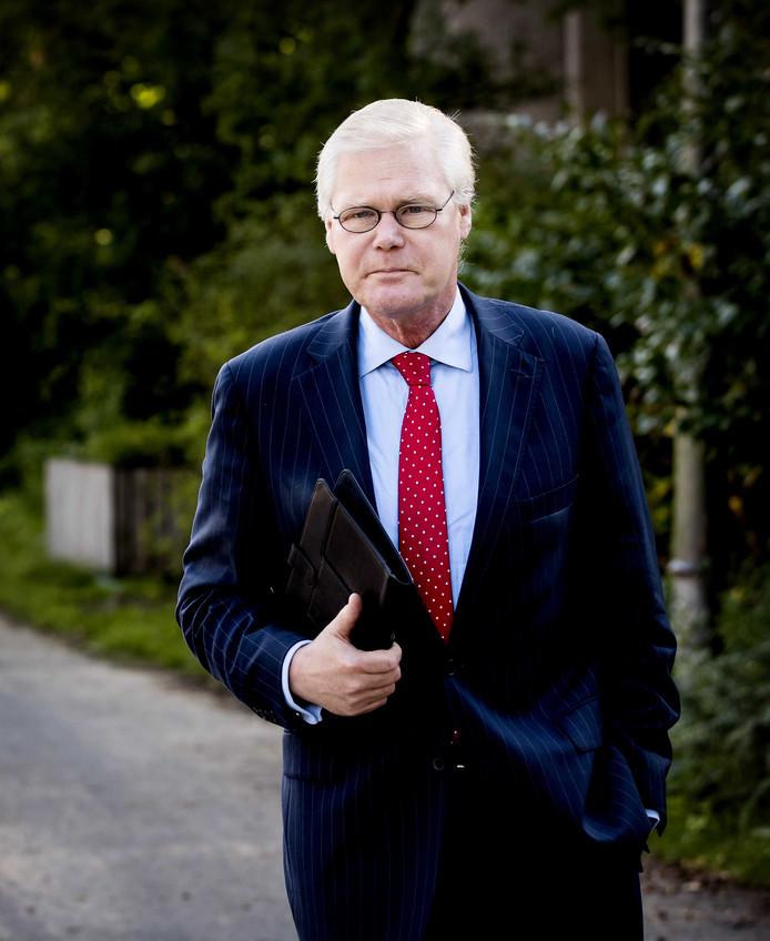 Robin Linschoten bij aankomst bij de rechtbank in Amsterdam