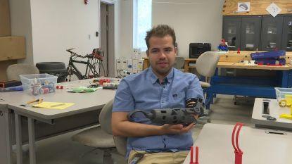 Student bouwt een eigen armprothese