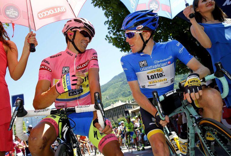 Alberto Contador (links) en Steven Kruijswijk. Beeld afp