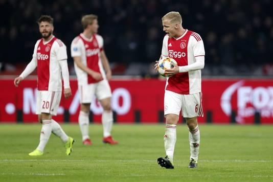 Ajax verzuimde om voor het eerst sinds 8 mei 2016 weer eens aan kop in de eredivisie te komen.