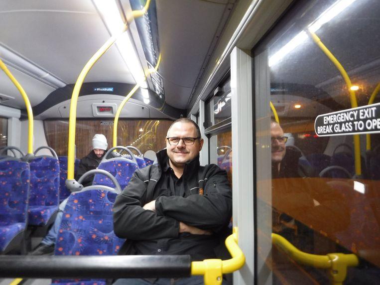 In het busje naar de treincoupé voor chauffeurs.  Beeld Romana Abels