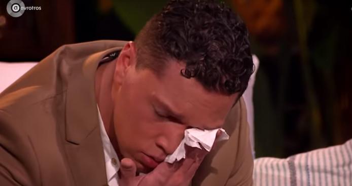 Ruben houdt het niet droog bij nummer van Floor Jansen