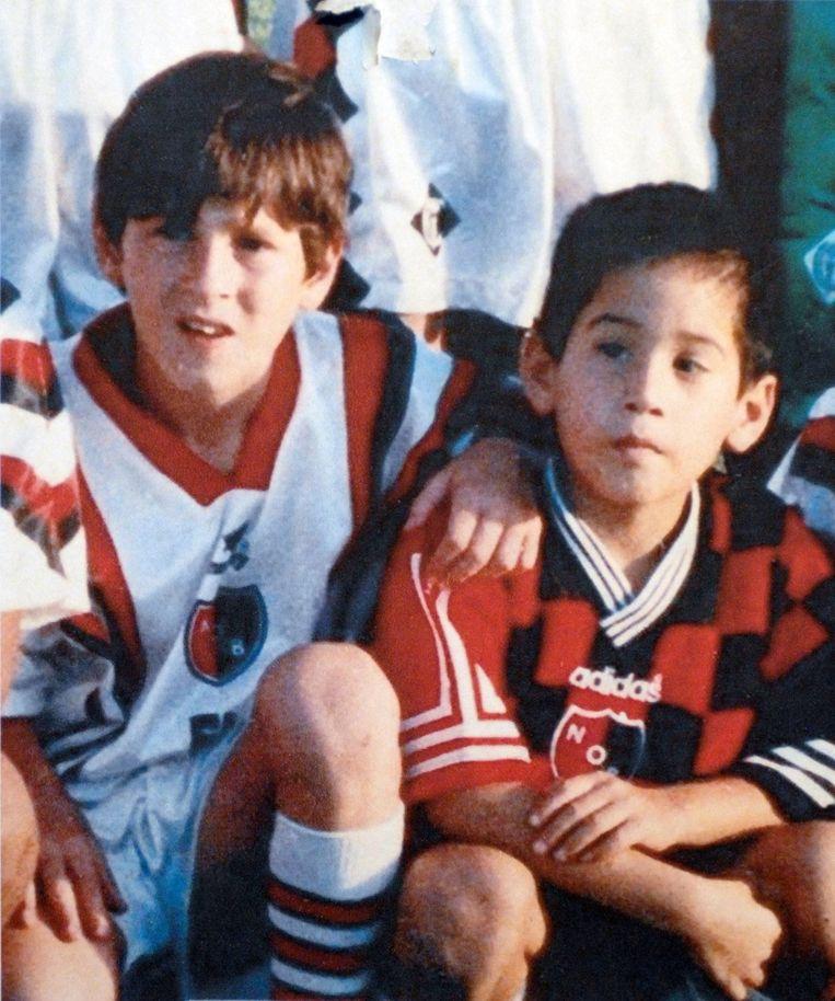Lionel Messi (links) in z'n jeugdjaren.
