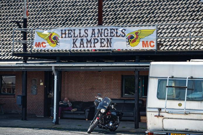 Het clubhuis in Kampen wordt door de buurt omschreven als 'modelbuurman', maar moet nu noodgedwongen sluiten van de rechter.