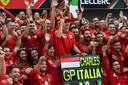 Charles Leclerc (m) bracht Ferrari in extase met zijn overwinning in Monza.