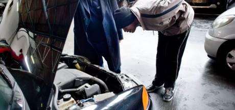 Autoverkoper in elkaar geslagen voor ogen van zoontje: 'Dacht dat ze ons zouden doden'