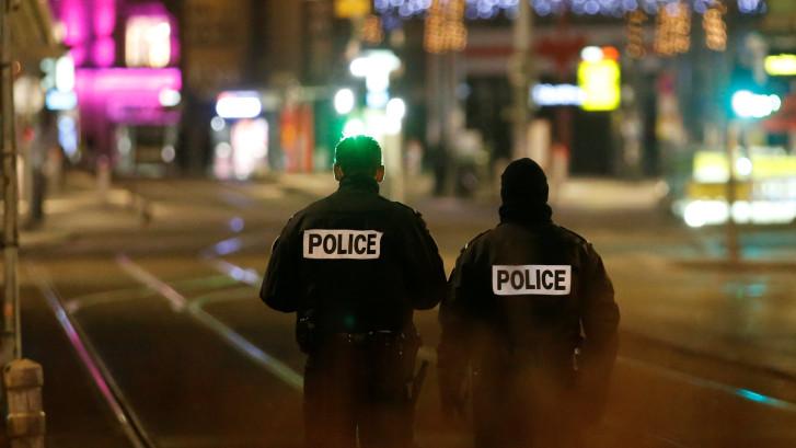 Kijk hier naar de beelden van de aanslag in Straatsburg